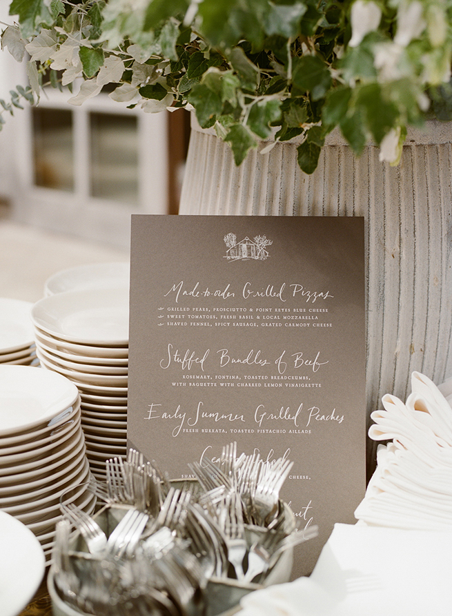 20-wedding-dinner-menu-calligraphy-chalboard.jpg