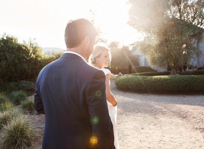 30-bride-groom-sunlight-portrait-barn-witt-estate.jpg