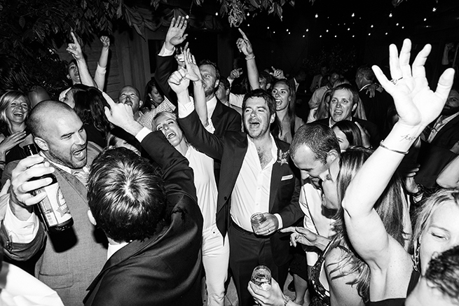 41-tainted-love-band-wedding-crowd-going-crazy.jpg