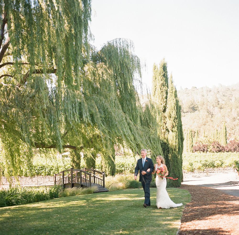 17-bride-walking-down-aisle.jpg