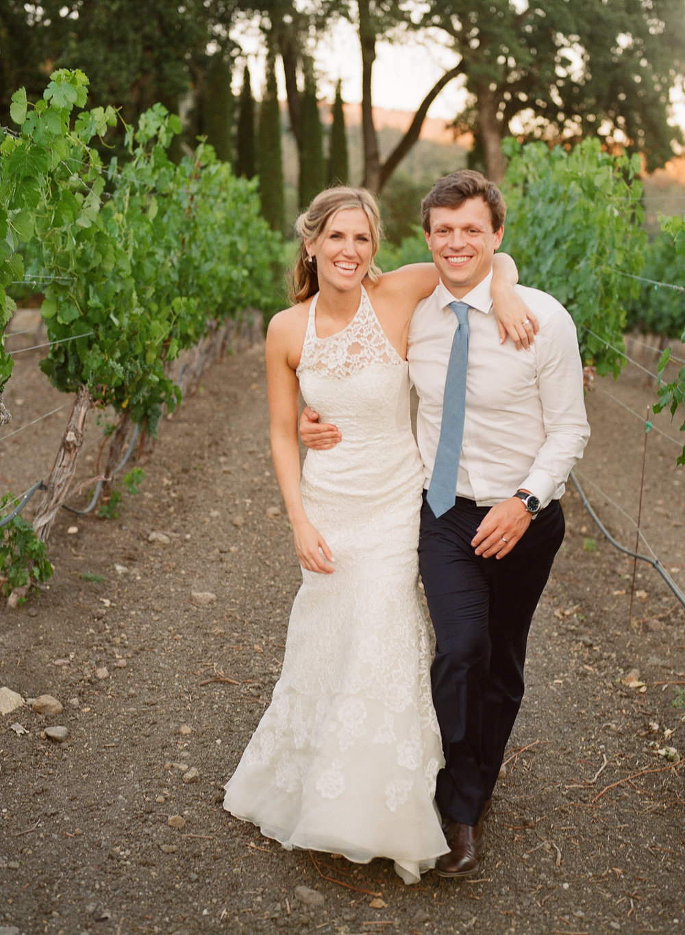 43-bride-groom-vineyard.jpg