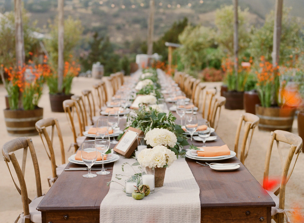 25-rustic-masculine-tablescape.jpg
