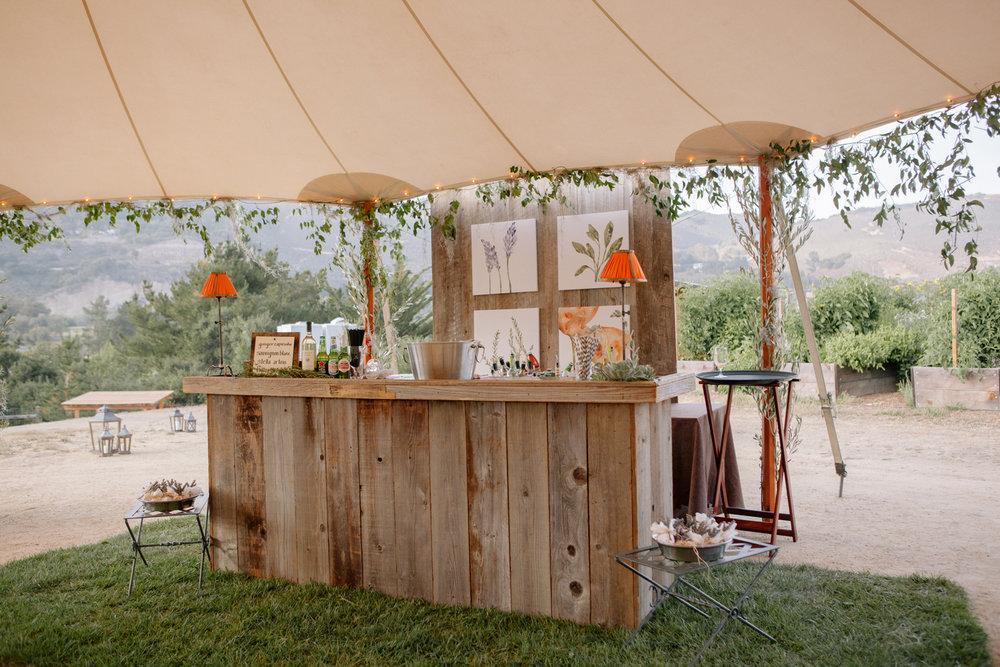 31-rustic-wedding-bar.jpg