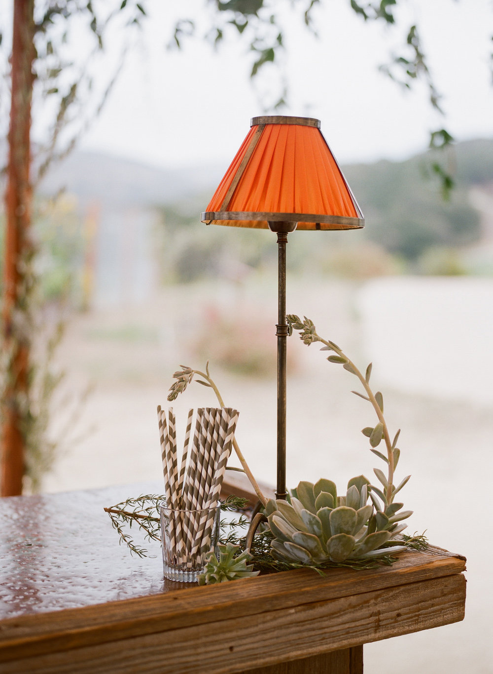 32-outdoor-lamp-orange.jpg