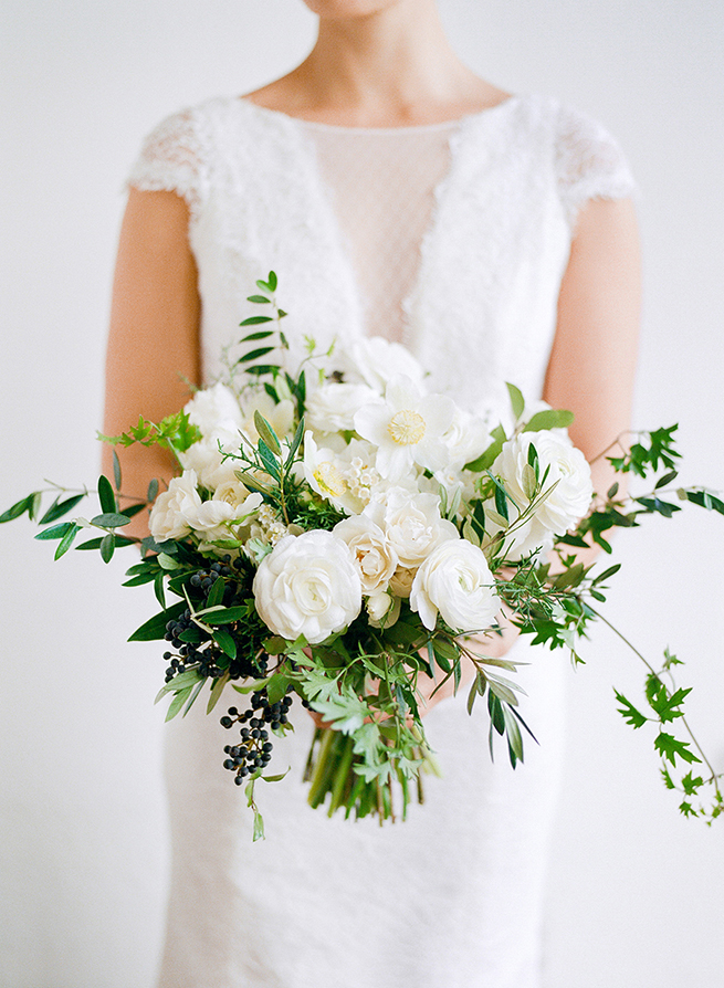 Classic white bouquet from la fleuriste christina mcneill for Bouquet fleuriste