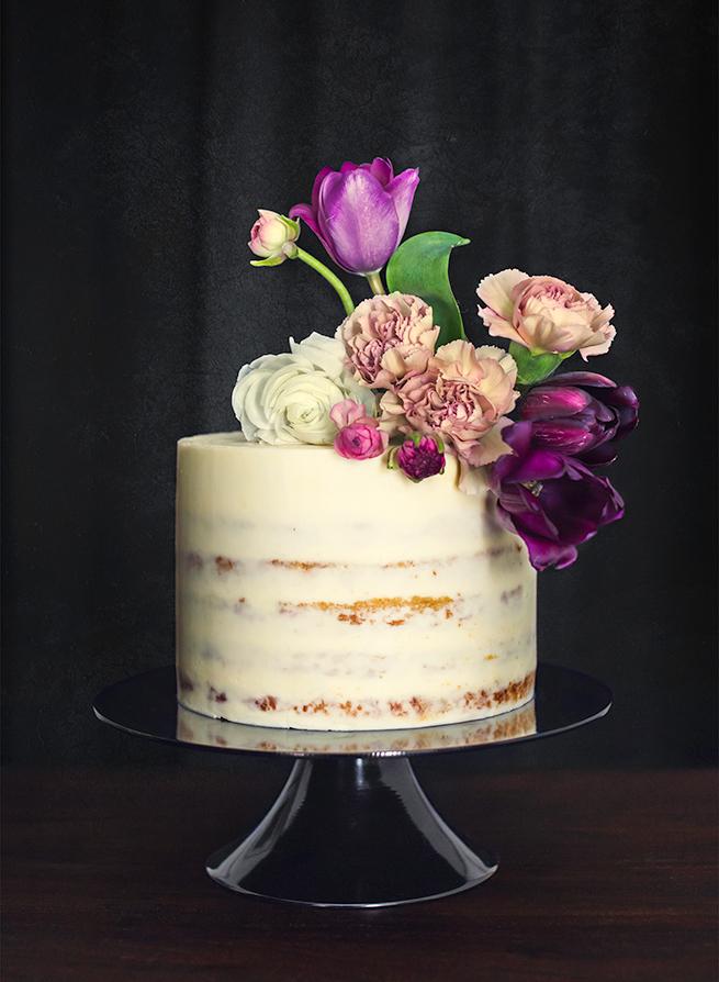 3-naked-cake-tulips.jpg