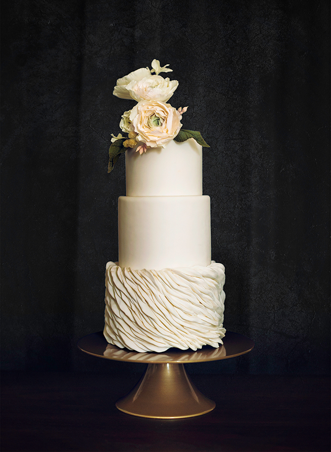 4-romantic-wedding-cake.jpg