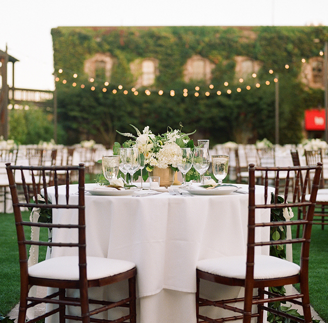 20timeless-vintage-estate-wedding.jpg