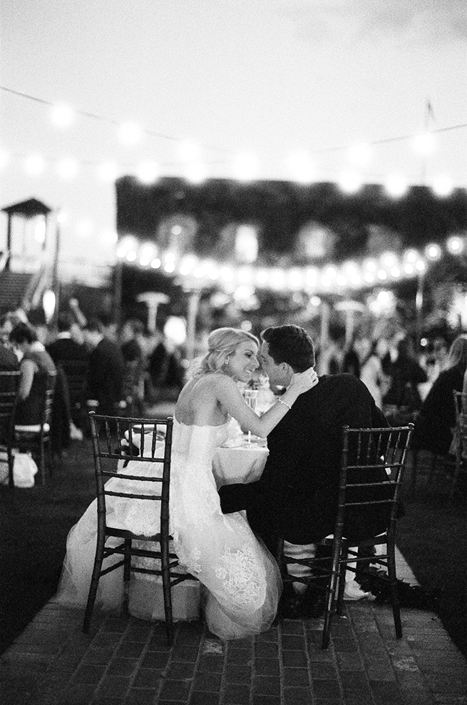 28timeless-vintage-estate-wedding.jpg