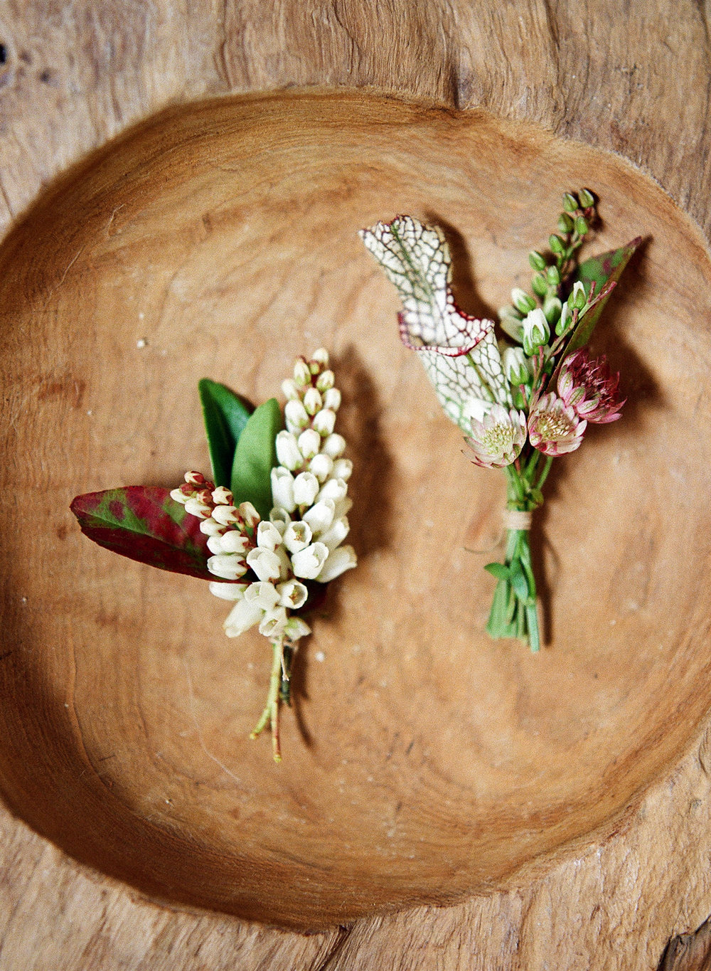 12-rustic-boutonniere.jpg
