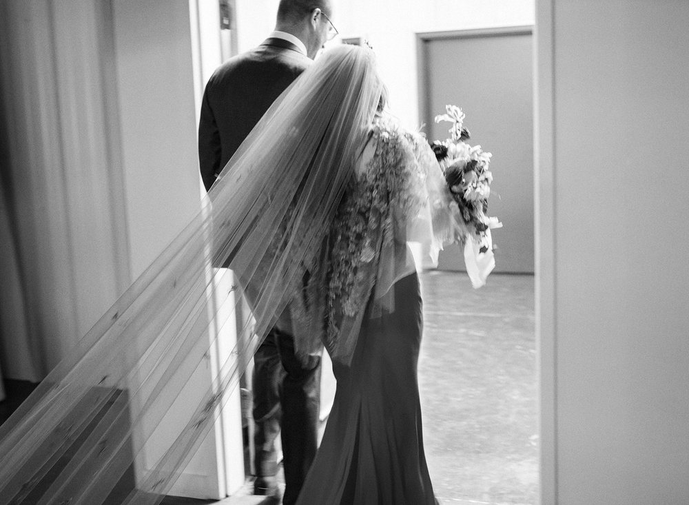 21-romantic-black-white-wedding-photo.jpg