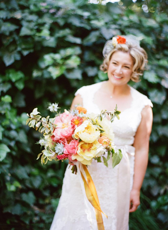 7-bride-yellow-peony-bouquet.jpg