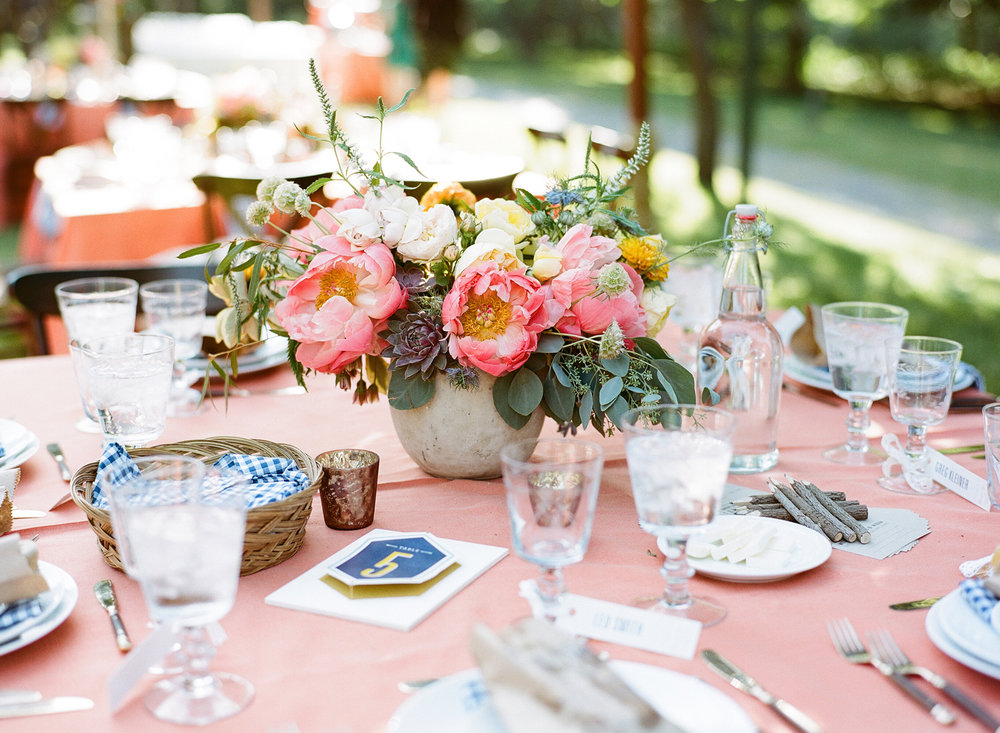 39-preppy-tablescape.jpg
