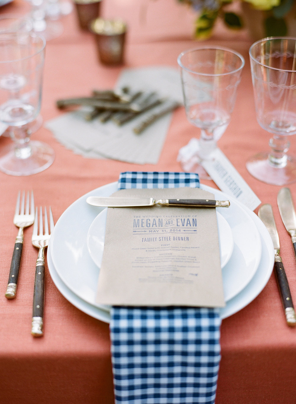 41-preppy-table-blue-gingham-napkins.jpg