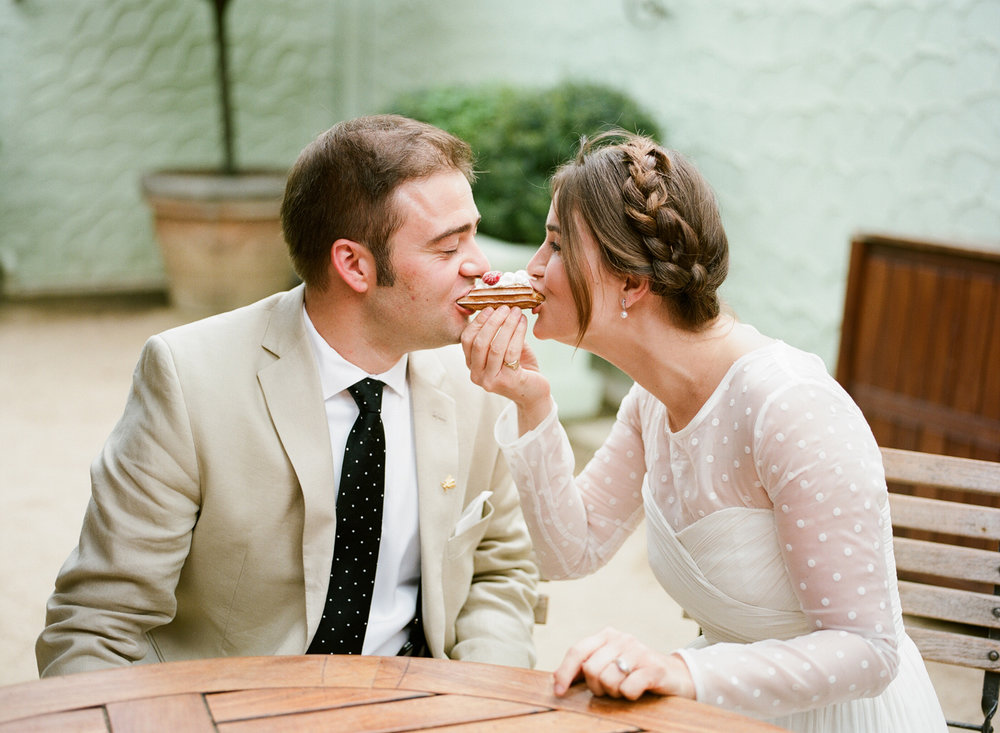 26-34-bride-groom-eat-eclaire.jpg