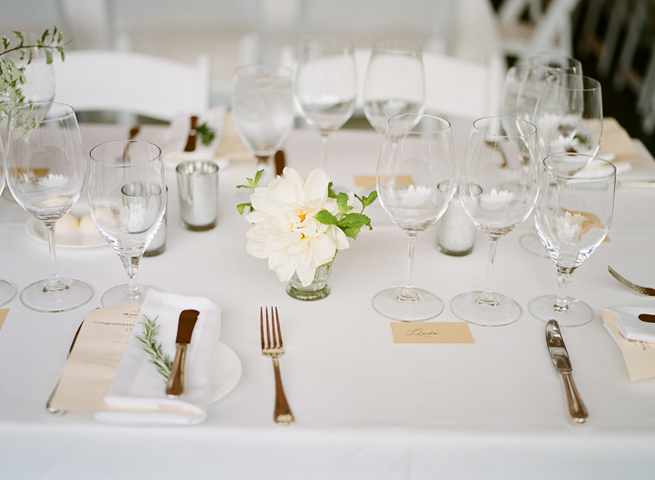 42-elegant-simple-wedding-decor.jpg