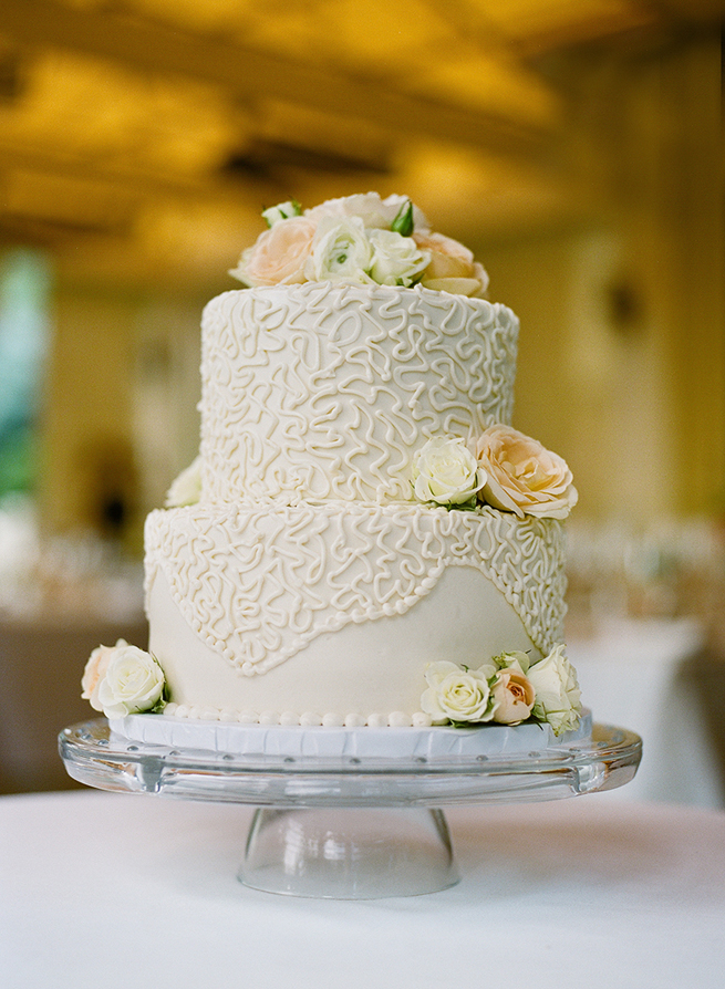 43-elegant-wedding-cake-roses.jpg