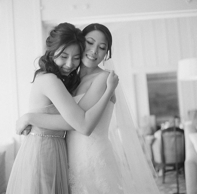 8-bride-sister-hug.jpg