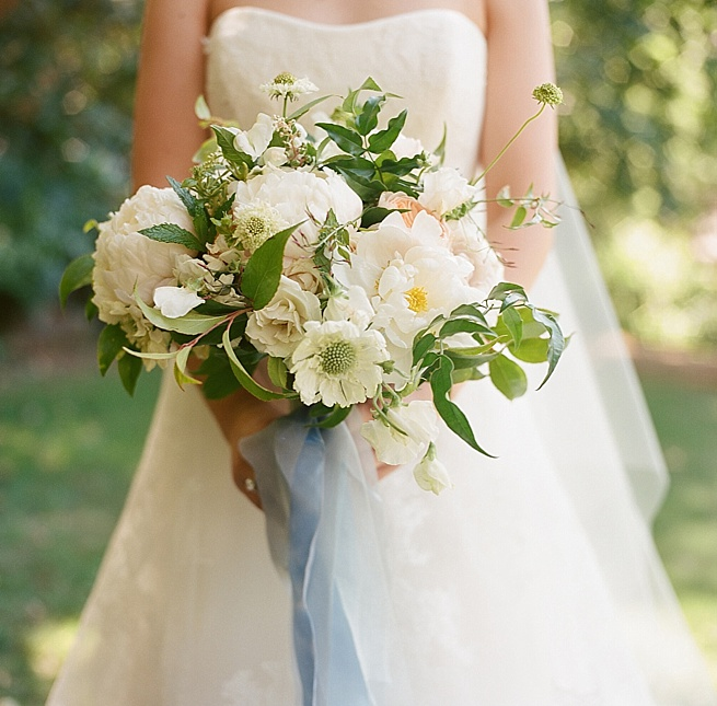 1-white-bouquet.jpg
