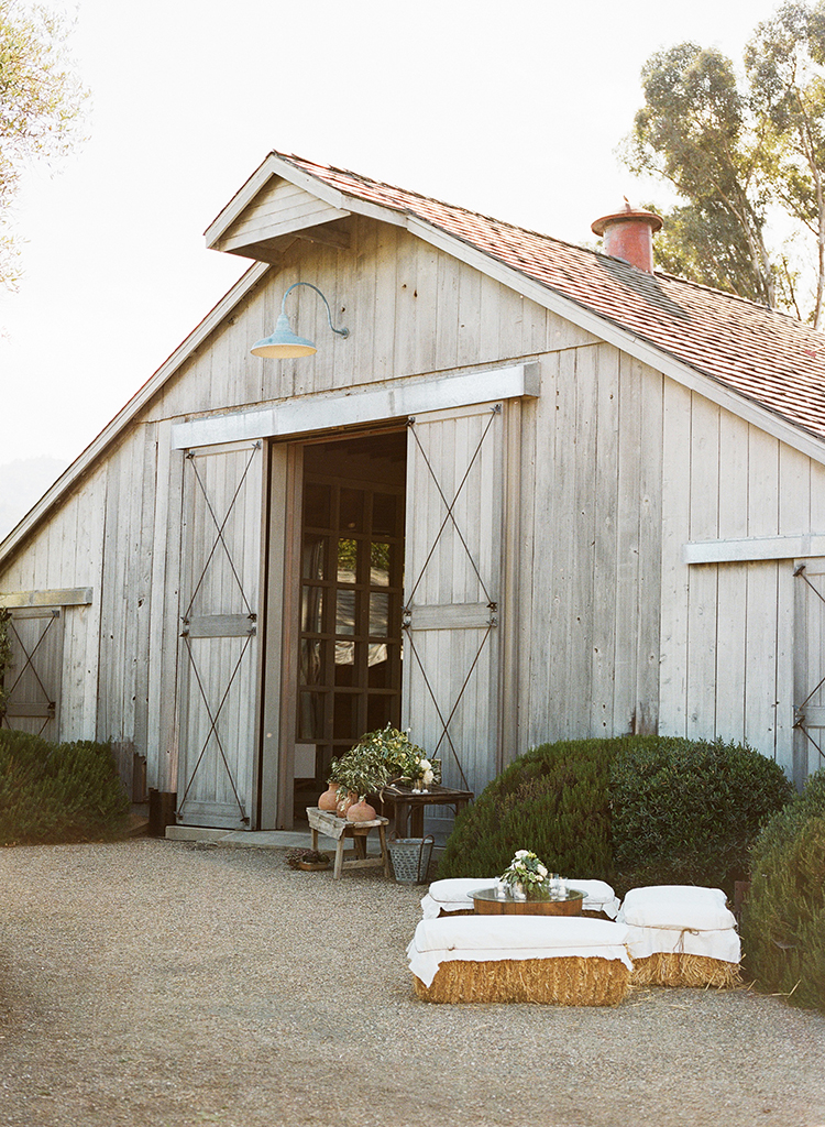 1-barn-wedding-california.jpg