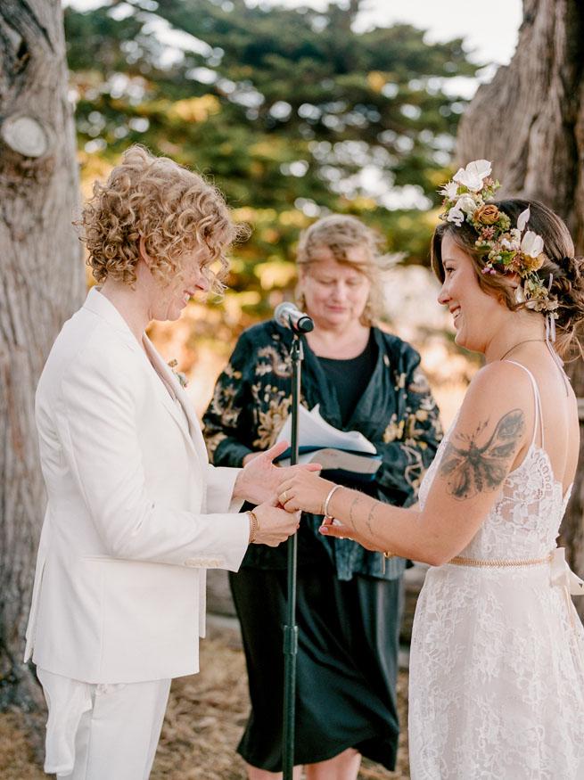 14-meaningful-lesbian-ceremony.jpg