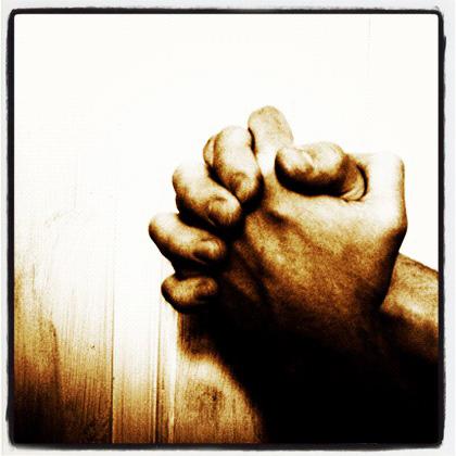 prayingnewtonlarge