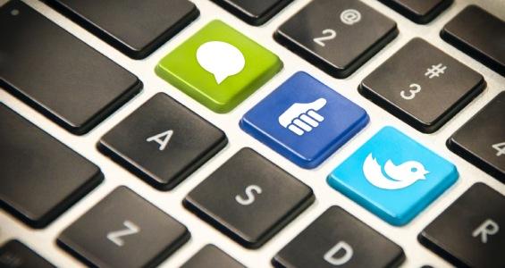 guida pratica per promuovere il tuo sito Web su Facebook e Twitter - Copy