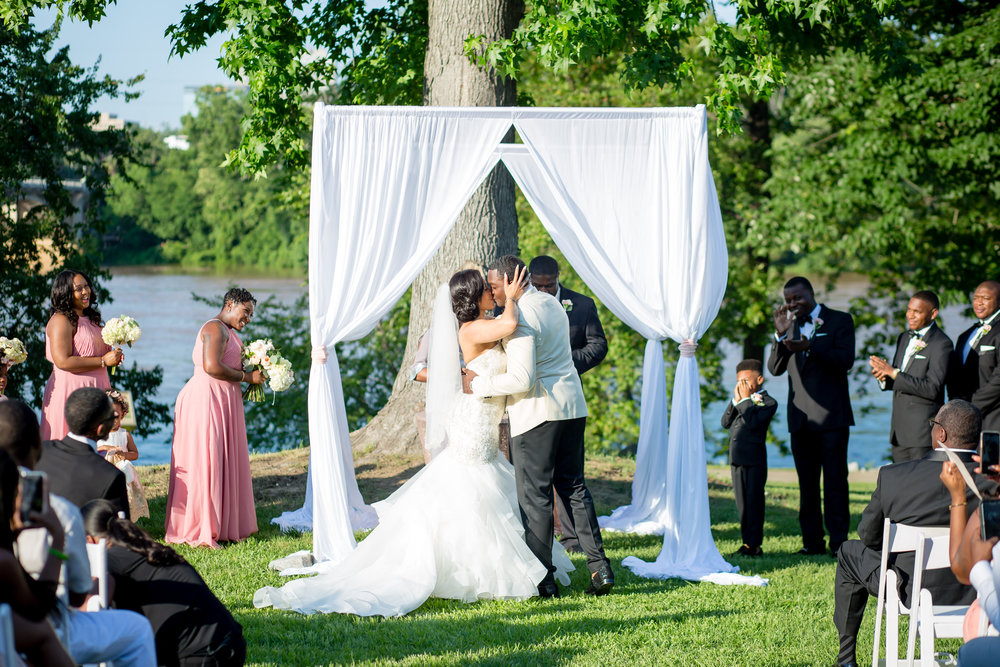180601-Shanetra_and_Brian_Columbia_SC_Wedding_JeanBPhotography-14.jpg