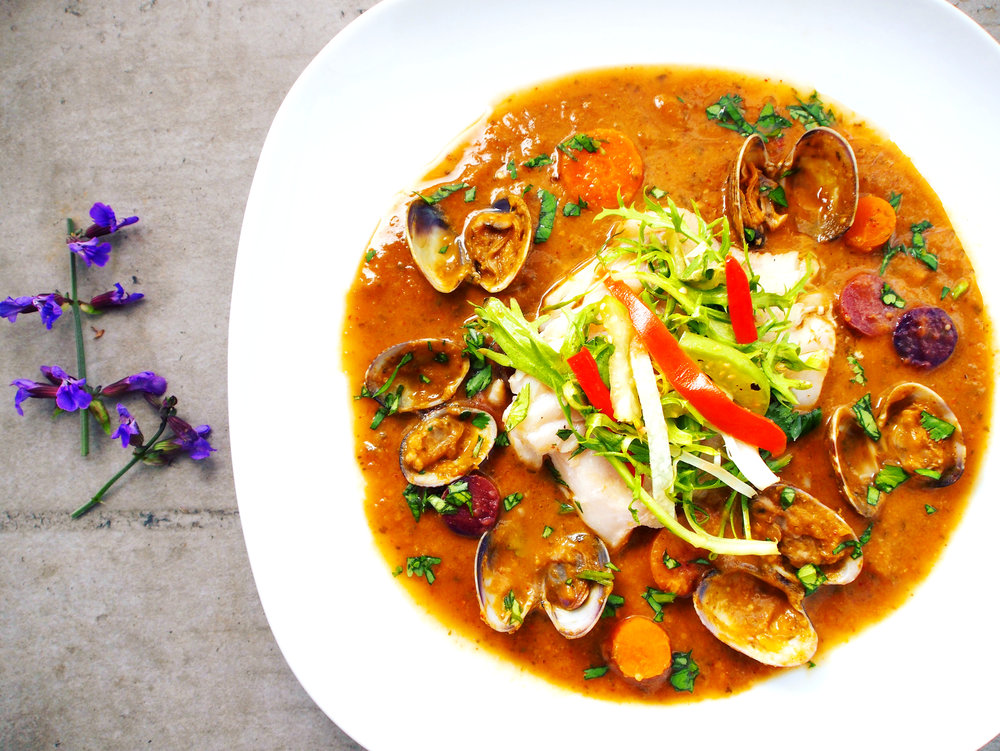 The best recipe for grilled red snapper in a tomatillo sauce. The sauce is more of a broth and really marries the flavor of the snapper and the clams together. This is a healthy fish recipe that is elegant to make. It's a fancy fish recipe that would impress your friends for sure!