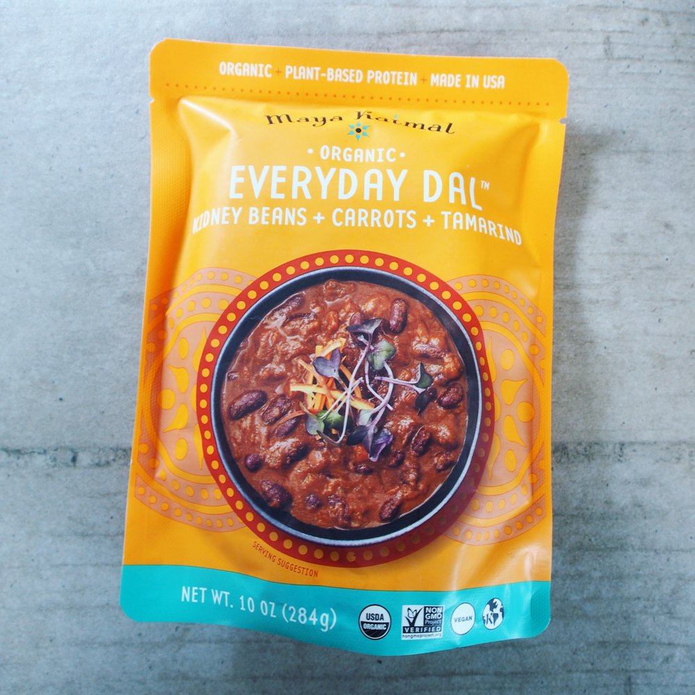 This Everyday Dal Pouch by Maya Kaimal Foods has Kidney Beans + Carrots + Tamarind. It added the perfect touch of sweet and spice to this Indian pizza recipe!