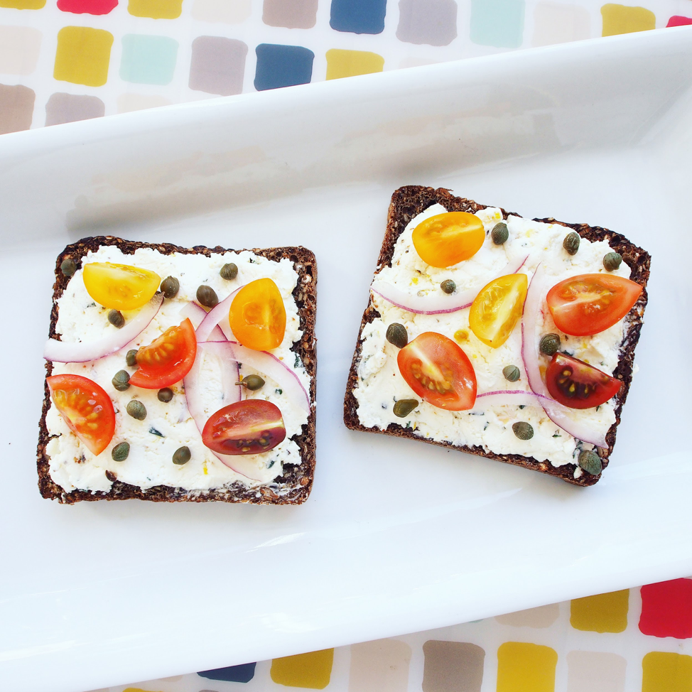 This healthy rye bread toast has fromage blanc and is an easy recipe for a healthy breakfast or a nutritious snack. The healthy quick bite has cherry tomatoes and is kid-friendly!