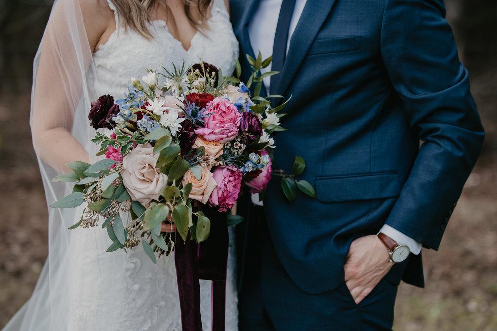 bouquet w couple.jpg