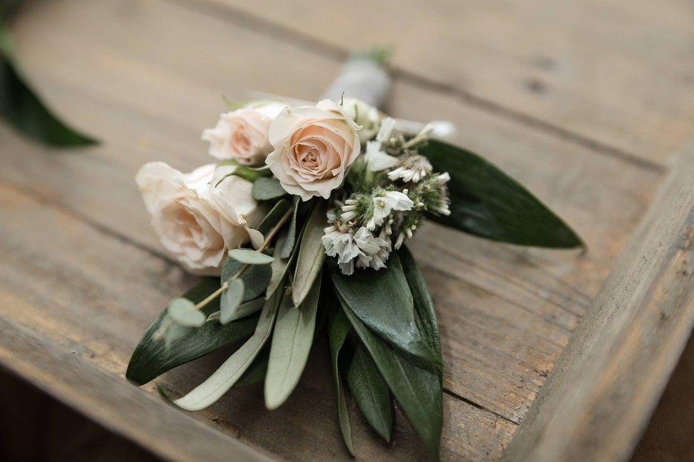 bridesmaid bouquet .JPG