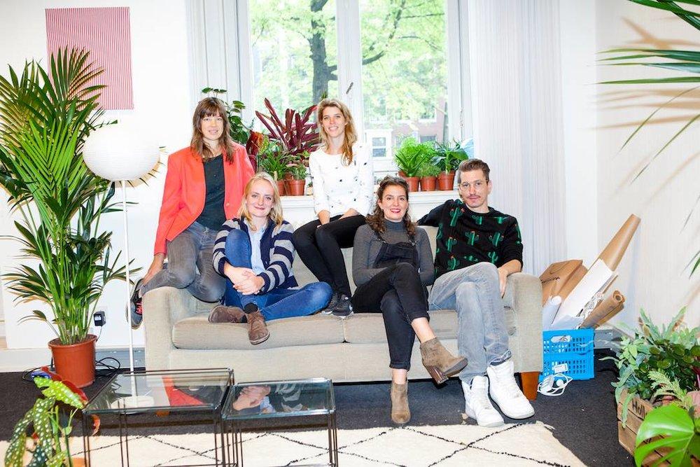 Het Sprinklr team met in het midden Suzanne (foto   Marie Wanders ).