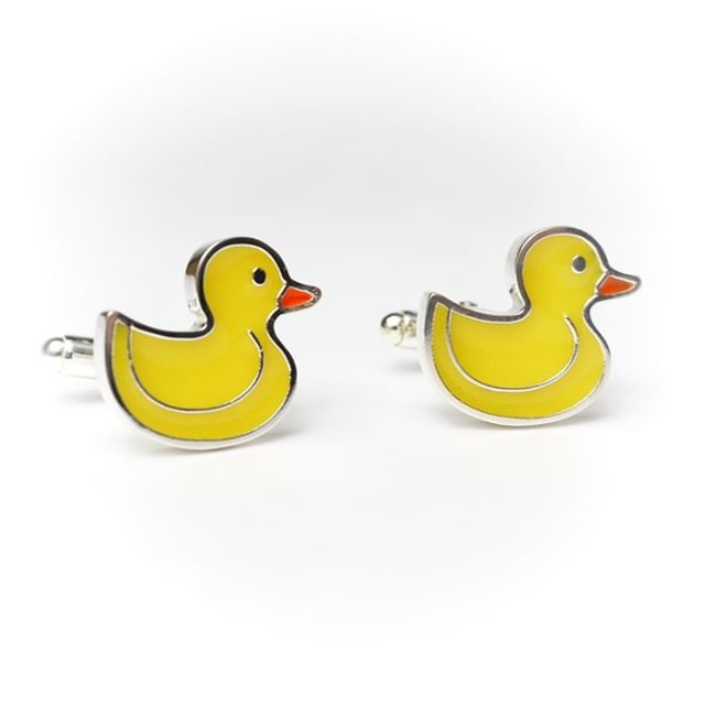 My little rubber ducky cufflinks. I have been working on this design for a couple of months and I didn't want to show them until I tweaked them until I was happy. They are made from highly polished silver with resin inlay the resin has a wonderfully shiny lustre making these ducks look sharp bobbing along on someone's wrist. . . . . #cufflinks #rubberduck #cufflinkstyle #cufflinkdesign #dapper #groomsmen #contemporaryjewellery #cufflinkcollector #resinjewellery #coldenamel #gentlemansfashion #irishfashionblogger #thatsdarling #flashesofdelight #waketomake