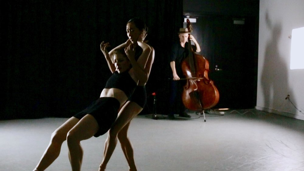 Peter Maness, Tiffany Mangulabnan, Amy Saunder in konverjdans' 'Convergence/Divergence' at Gibney Dance Center