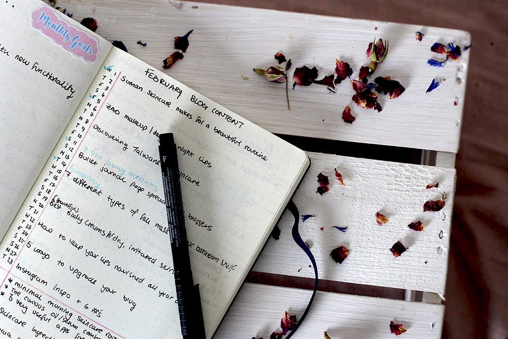 Bullet Journal Ideas for bloggers - Editorial Calendar