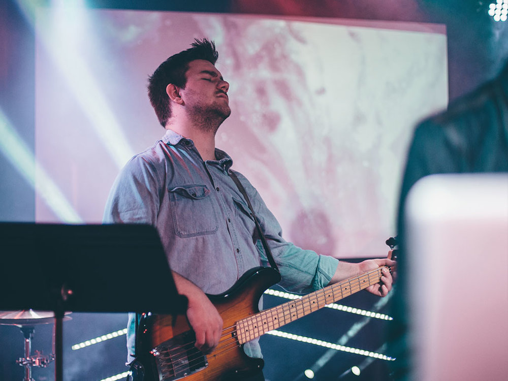 Worship Leader: Bass
