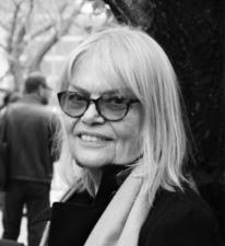 Profesora de Crítica Visual e Historia del Arte, New York, Holanda.