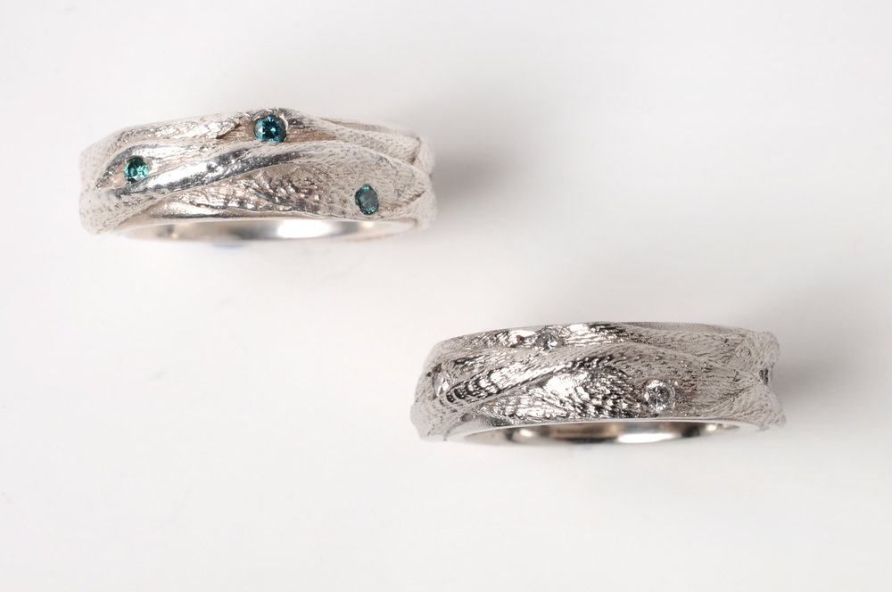 Ribbon Twist Ring in Silver with Natural blue Diamonds, and in Palladium with white Diamonds (2010)