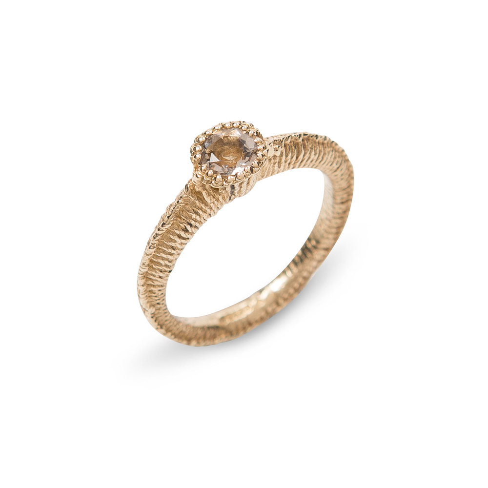 Solitaire Stitch Ring in 9ct Gold and Scottish Cairngorm. 2017