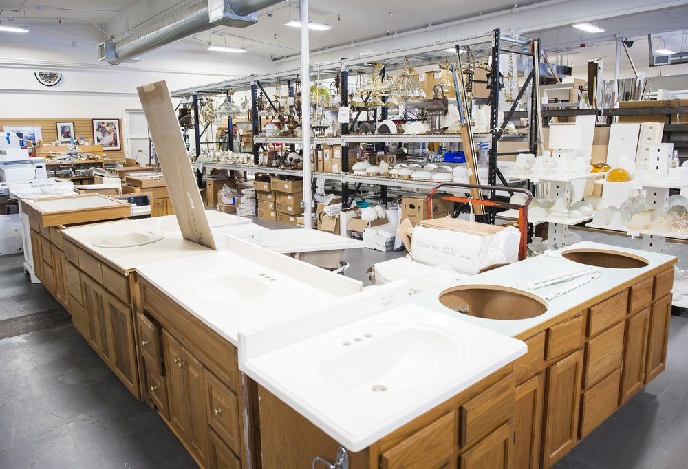 SINKS & VANITIES   Our attached and detached sinks and vanities are unique and ready for installation in your bathroom. All sinks and vanities must be in good condition with minimal cracks and scratches.