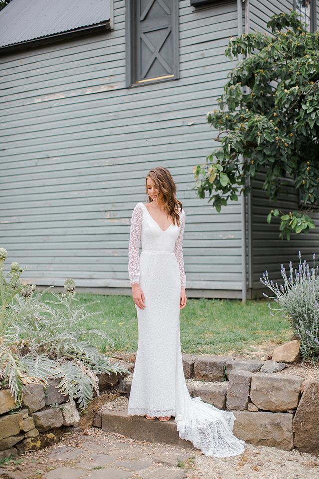 ottawa-bridal-store-wedding-dresses-westboro-modern-bride-boutique-revelle-KarenWillisHolmes_Valencia2.jpg