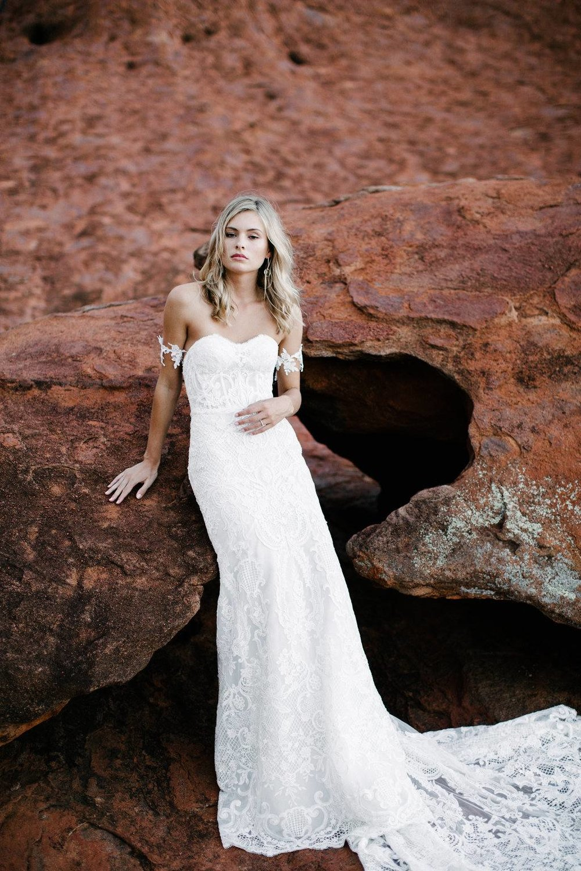 ottawa-wedding-dresses-westboro-bridal-store-modern-bride-boutique-revelle-MadeWithLove-MWL_Isla.jpg