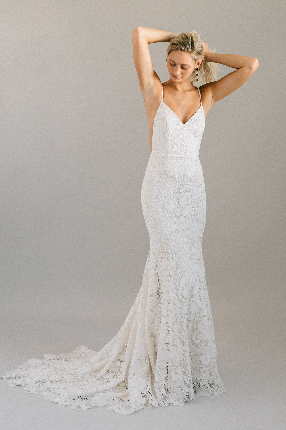 ottawa-wedding-dress-westboro-bridal-store-modern-bride-boutique-revelle-laudae-Abronia-PS2.jpg
