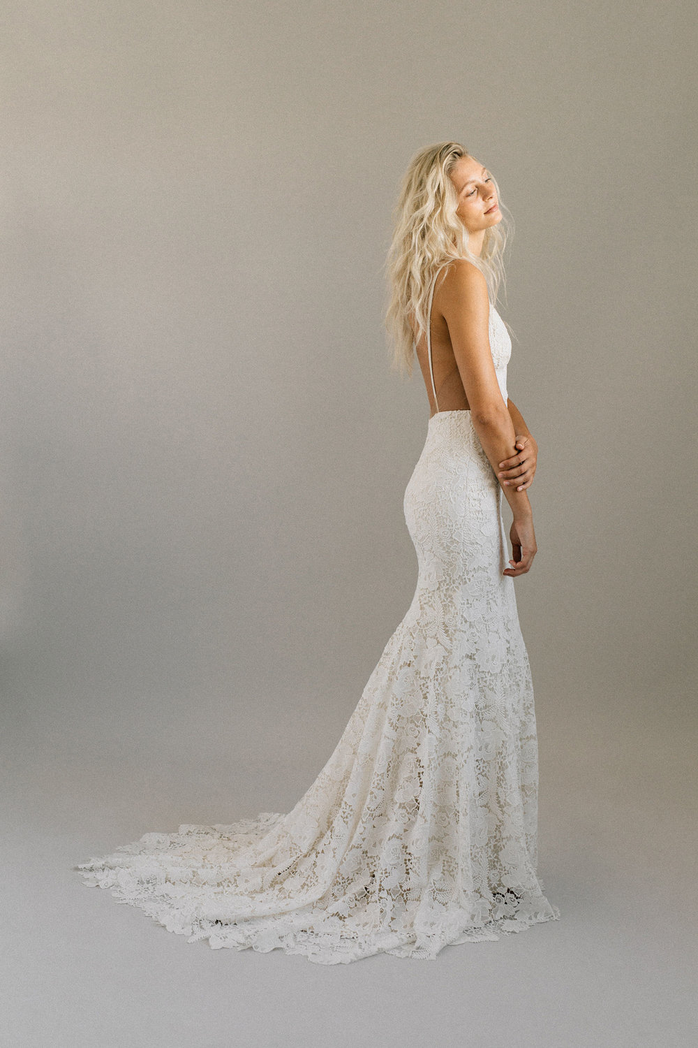 ottawa-wedding-dress-westboro-bridal-store-modern-bride-boutique-revelle-laudae-Abronia-PS4.jpg