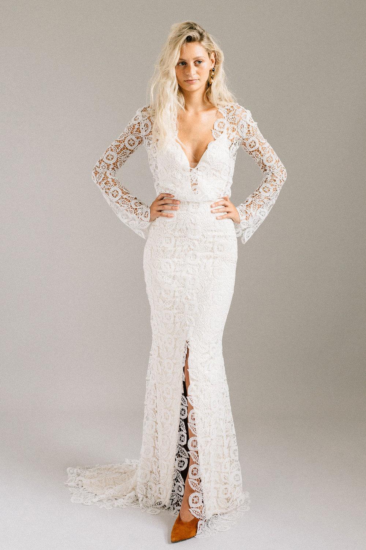 ottawa-wedding-dress-westboro-bridal-store-modern-bride-boutique-revelle-laudae-Halsey-PS2.jpg