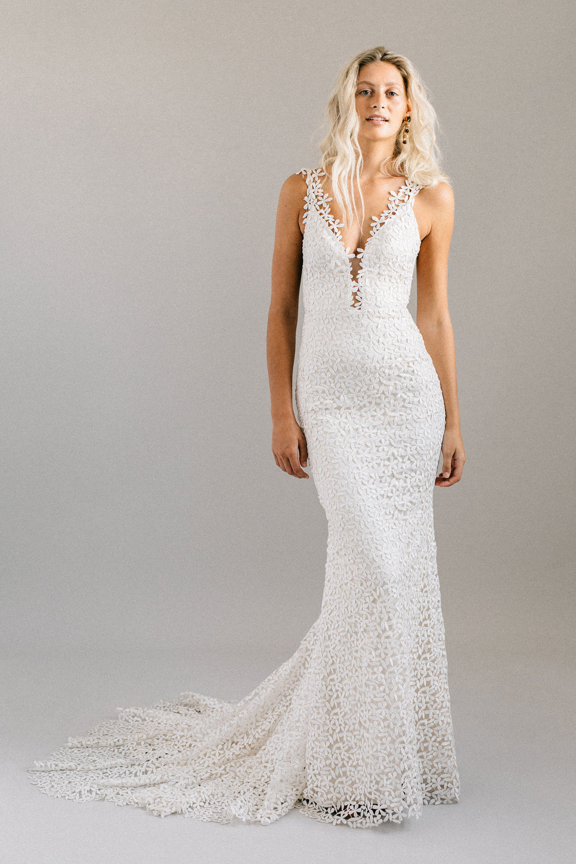 ottawa-wedding-dress-westboro-bridal-store-modern-bride-boutique-revelle-laudae-Jasmine-PS1.jpg