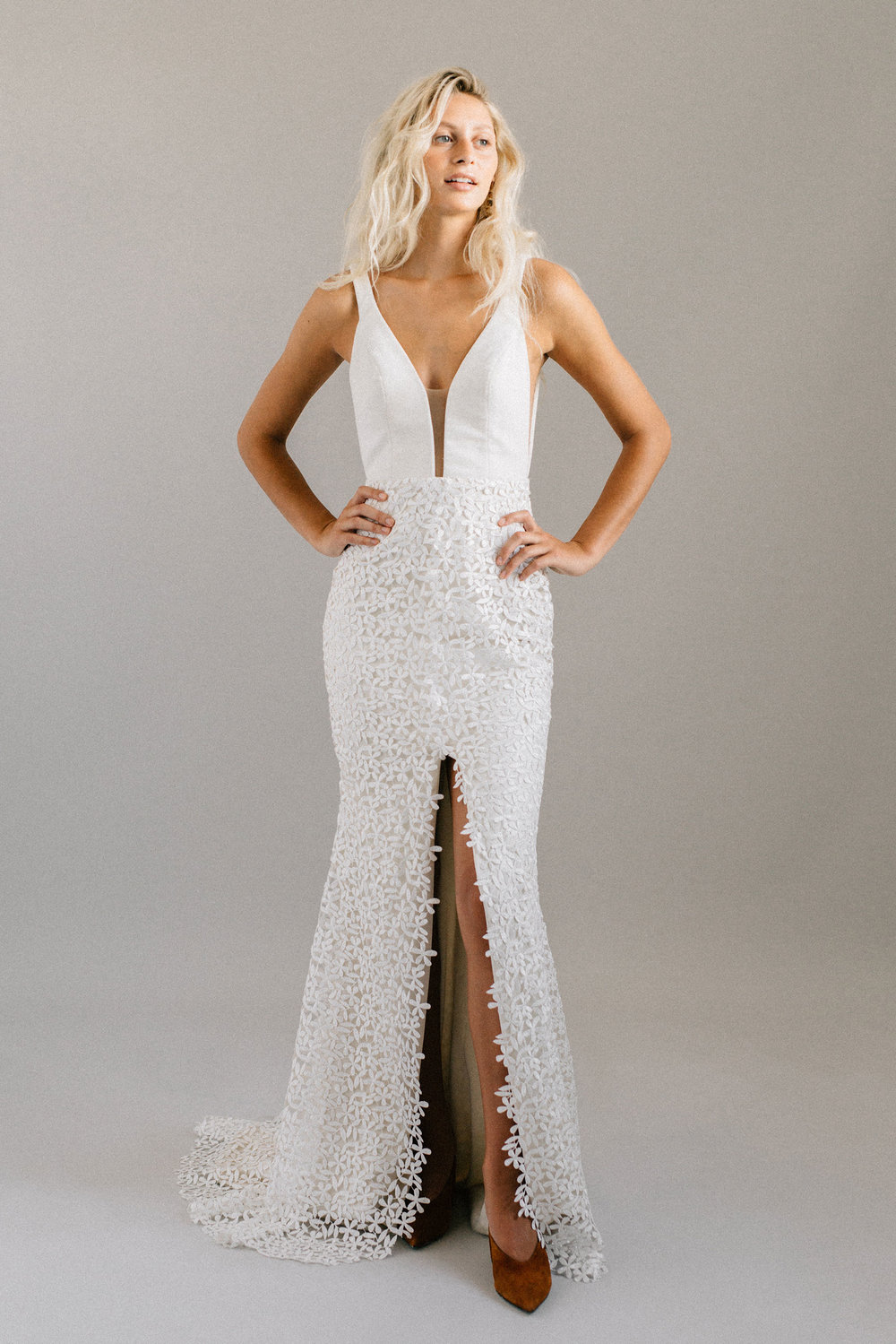 ottawa-wedding-dress-westboro-bridal-store-modern-bride-boutique-revelle-laudae-Lupine-PS2.jpg