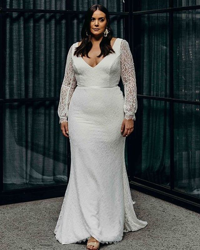 The @kwhbridal Curve collection is here until Sunday and all orders placed during this time will receive 10% off 💃🏻 • This Curve collection is designed to celebrate your shape, an exquisite range of plus size wedding gowns that focus on providing an impeccable fit while remaining comfortable, sophisticated and unique. ❤️ • Contact us now to book an appointment. 💕 • #trunkshow #australiandesigner #curvecollection #curvebyKWH #plussize #madeinAustralia #kwhbridal #bride #bridal #weddings #weddinggowns #bridalfashion #sayyestothedress #engaged #marriage #ottawa #bridalboutique #yowbride #ottawaweddings #wellingtonwest #revellebride #revellebridal #revelleweddings
